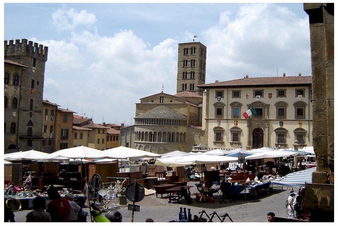 Foto e immagini toscana for Arezzo mercatino